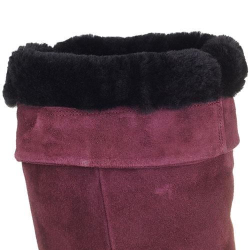 Зимние ботфорты The Seller Jullie Dee бордового цвета на толстой подошве, фото