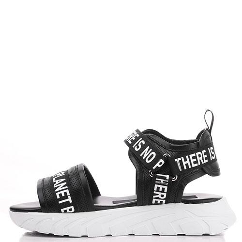 Черные сандалии John Richmond на рельефной подошве, фото