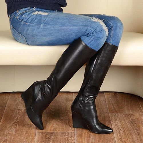Сапоги Cafe Noir Linea Glamour кожаные черные осенние на изящной танкетке, фото