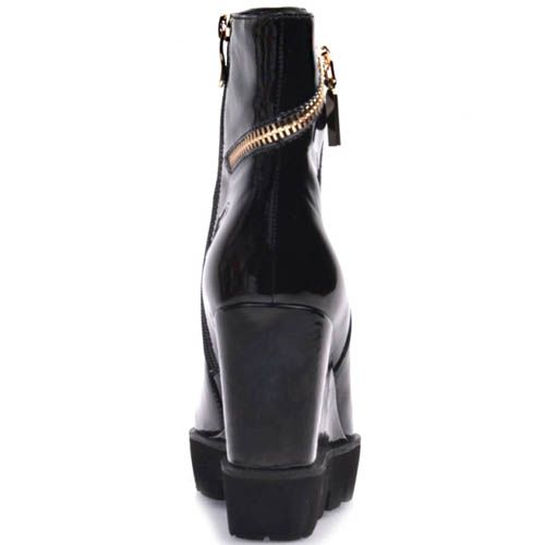 Полусапоги Prego лаковые черного цвета с золотистой молнией сзади, фото