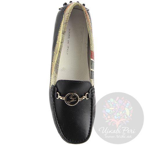 Кожаные мокасины Gattinoni черного цвета с золотистым брендовым декором, фото