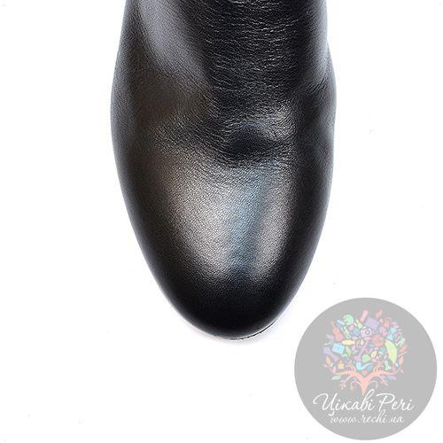 Ботинки Nocturne Rose на низком каблуке кожаные с декором под кожу крокодила, фото