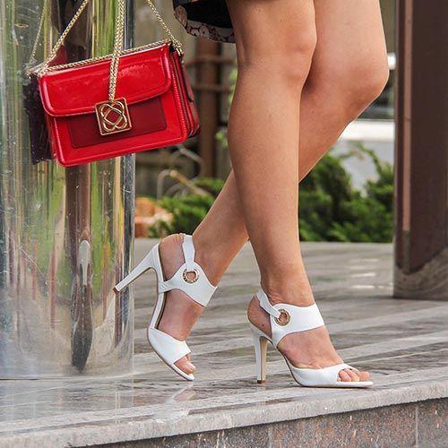 Белые босоножки Cafe Noir из кожи с брендированными люверсами, фото