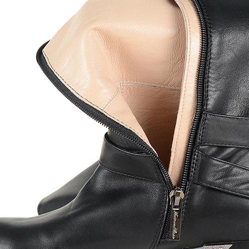 Кожаные ботфорты Giorgio Fabiani на низком каблуке с округлым носком , фото