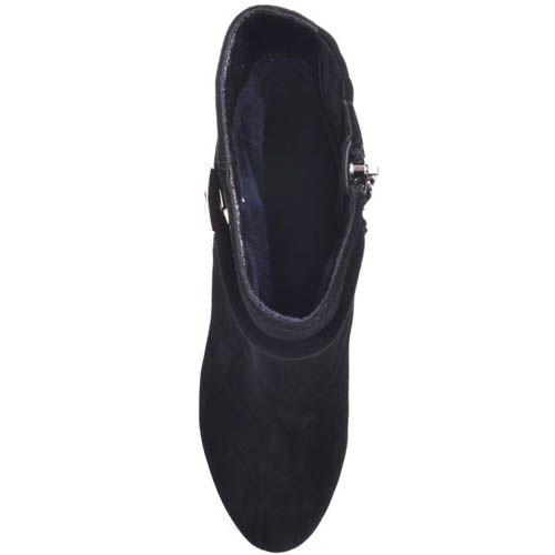 Ботильоны Prego черного цвета замшевые с замшевым каблуком и декором в виде золотистого лезвия, фото
