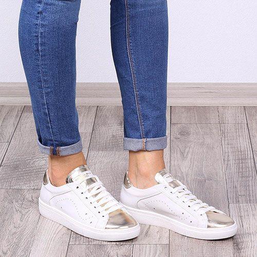 Кожаные кеды Tosca Blu белого цвета с золотистым носочком, фото