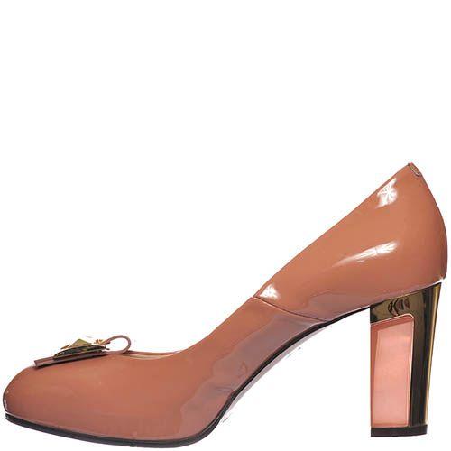 Туфли Giorgio Fabiani из лаковой кожи бежево-розового цвета на высоком устойчивом каблуке, фото