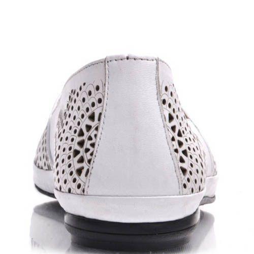 Слиперы Prego белого цвета с узорами и перфорацией, фото