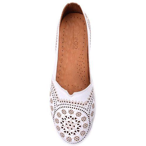 Туфли Prego из натуральной перфорированной кожи белого цвета, фото