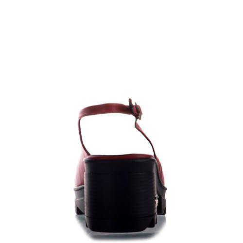 Босоножки Prego кожаные красного цвета на тракторной черной подошве, фото
