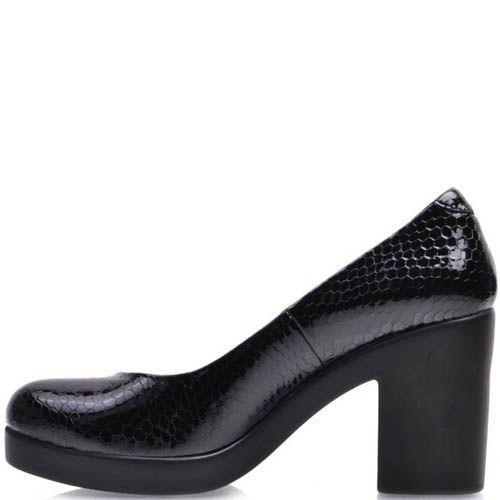 Туфли Prego черного цвета лаковые с тиснение под кожу змеи на толстом каблуке, фото