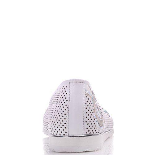 Туфли Prego из перфорированной белой кожи украшенные стразами, фото