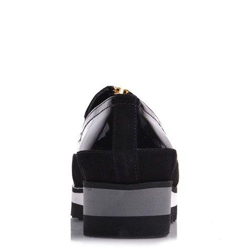 Слипоны Prego из натуральной лаковой кожи черного цвета на трехцветной подошве, фото