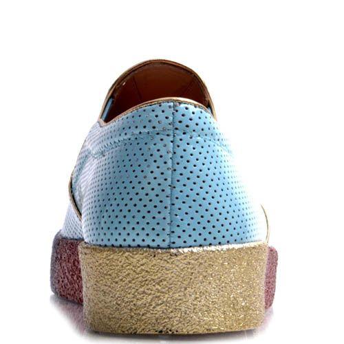 Слипоны Prego голубого цвета лаковые с радужной подошвой, фото