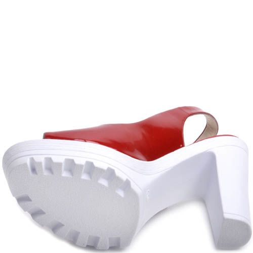 Босоножки Prego красные лаковые на толстом белом каблуке, фото