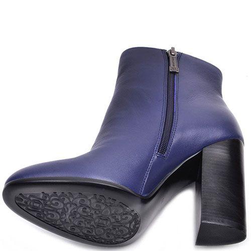 Ботинки Prego из натуральной гладкой кожи фиолетового цвета на высоком устойчивом каблуке, фото