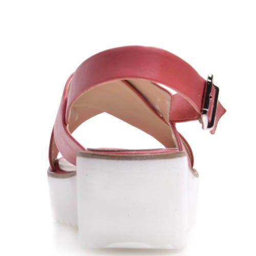 Босоножки Prego спортивные розового цвета с белой танкеткой и металлической пряжкой, фото