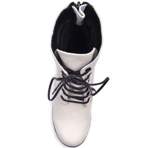 Ботинки Prego зимние кожаные белого цвета с черной подошвой, фото