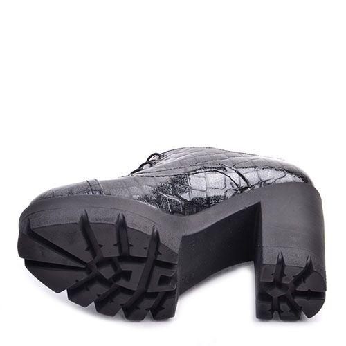 Закрытые туфли Prego серого цвета с тиснением под кожу рептилии на высоком устойчивом каблуке, фото