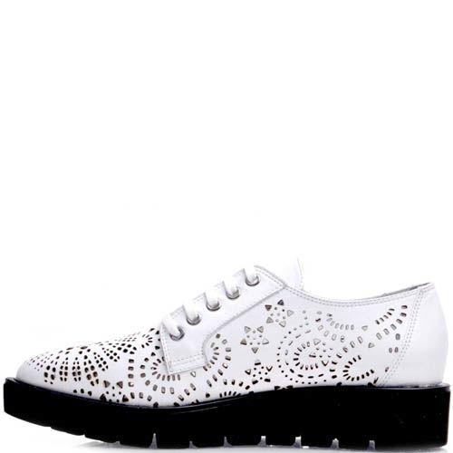 Ботинки Prego белые с перфорацией на толстой подошве, фото