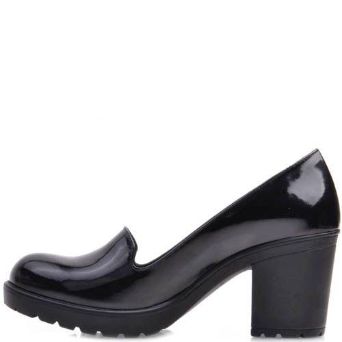 Туфли Prego на устойчивом каблуке из лаковой кожи с круглым носочком, фото