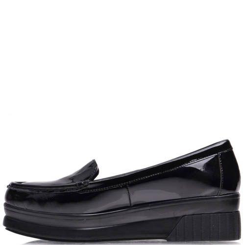 Туфли Prego черного цвета лаковые на танкетке, фото