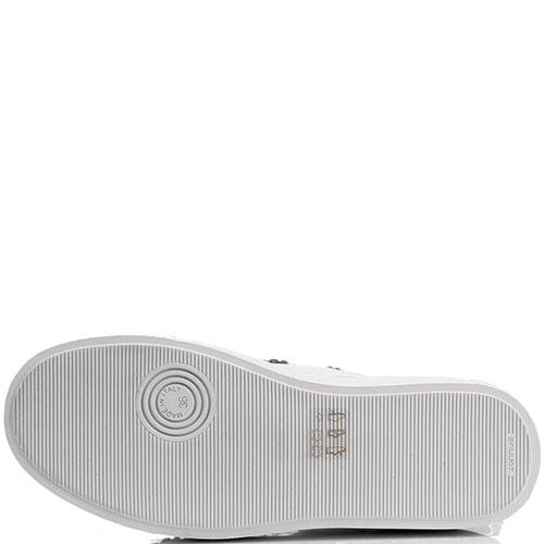 Белые слипоны Le Silla на платформе с объемной аппликацией, фото