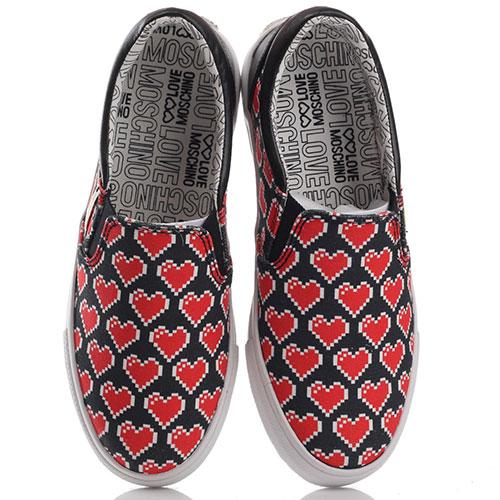 Слипоны Love Moschino с принтом в виде сердец, фото