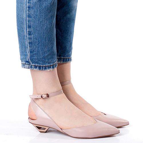 Бежевые босоножки Vic Matie с острым носком, фото