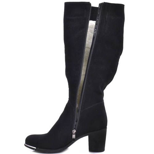 Сапоги Prego зимние черные из натуральной замши на устойчивом каблуке и с тонкой металлической вставкой на подошве носка, фото