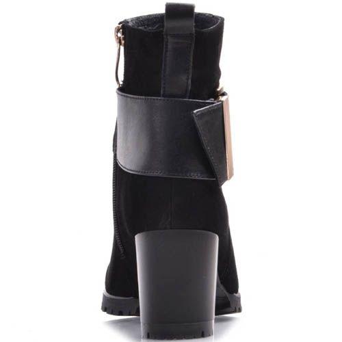 Ботильоны Prego черного цвета замшевые с золотистой пряжкой на широком ремешке, фото
