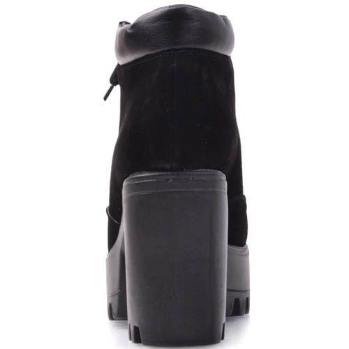 Ботинки Prego черного цвета замшевые на толстом каблуке и кожаной вставкой по краю, фото
