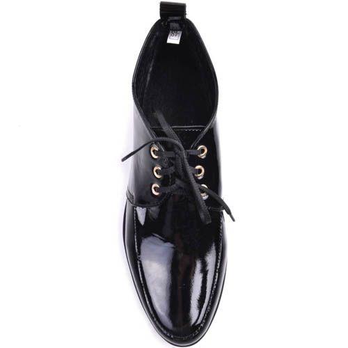 Ботинки Prego на низком ходу лаковые с золотистой круглой вставкой, фото