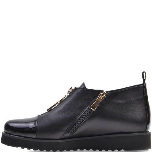 Ботинки Prego на низком ходу черного цвета кожаные с лаковой вставкой и золотистой молнией, фото