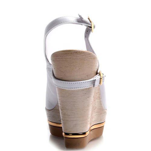 Босоножки Prego белые на танкетке с открытым носочком и пряжками, фото