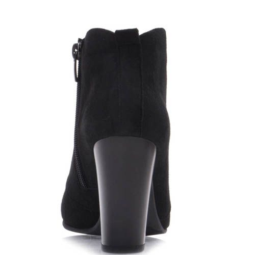 Ботильоны Prego черного цвета из замши со шнуровкой и округлым верхом, фото