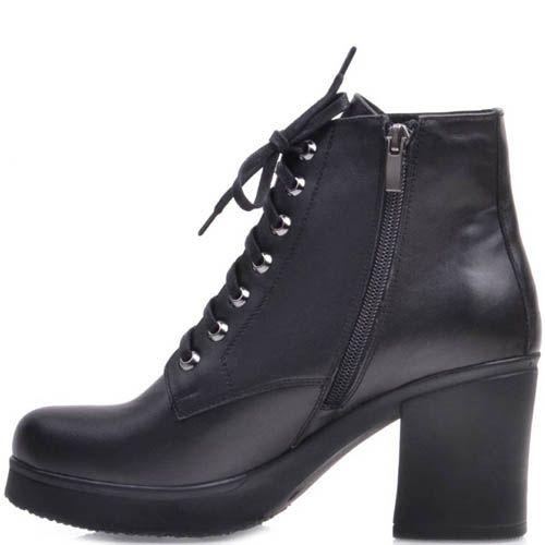 Ботинки Prego черного цвета на толстом каблуке с металлическими отверсиями для шнурков, фото