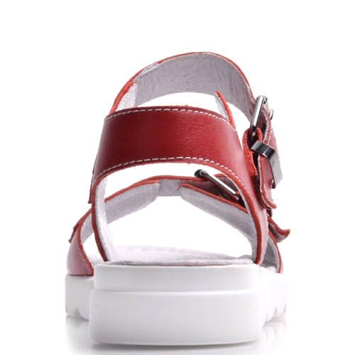 Сандалии Prego красного цвета с пряжками и белой рельефной подошвой, фото