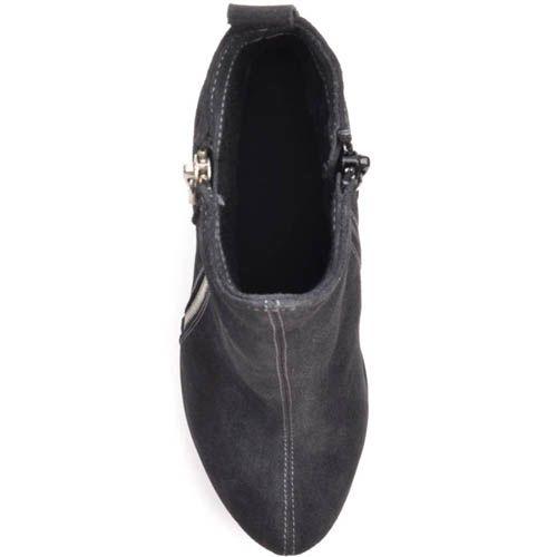 Ботильоны Prego замшевые черные на толстом каблуке с серебристой молнией и белыми строчками, фото