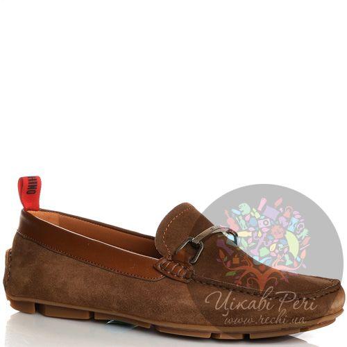 Лоферы Moschino цвета коричневого хаки замшевые с перетяжкой-шильдой, фото