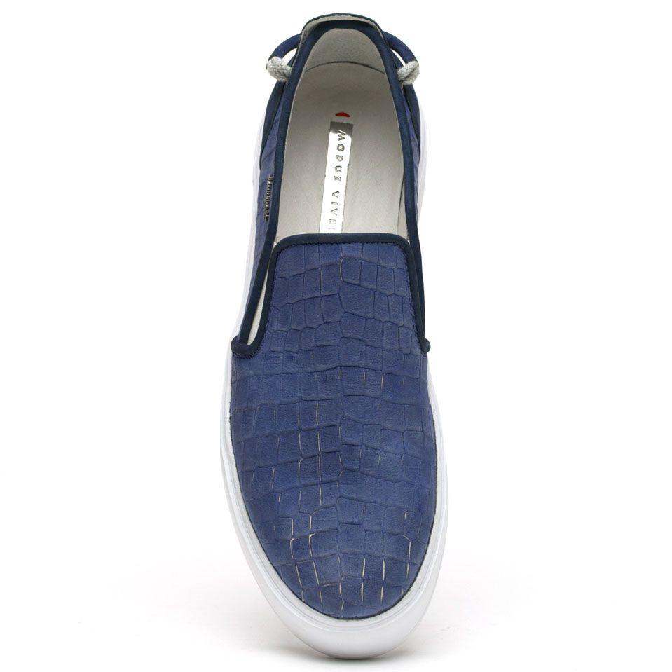 Слипоны Modus Vivendi цвета синей стали с тиснением под кожу рептилии