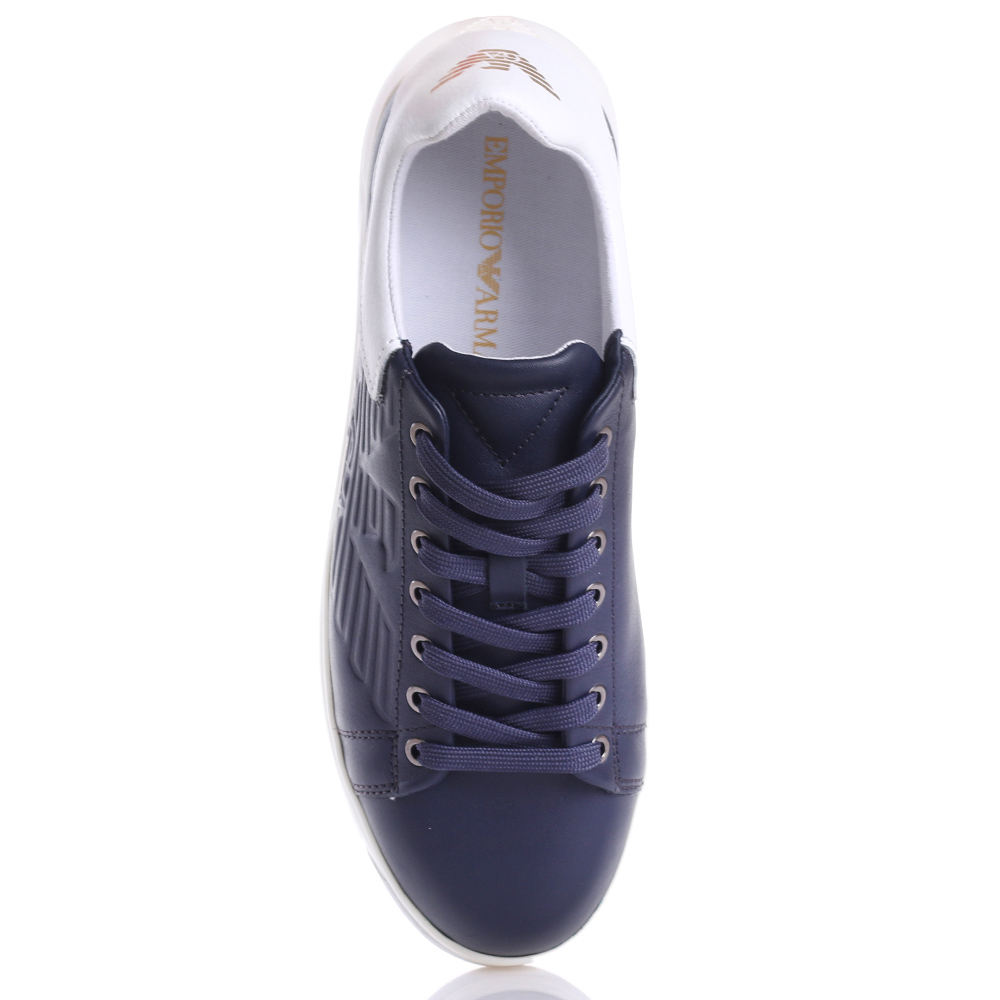 Синие кеды Emporio Armani с брендовым тиснением