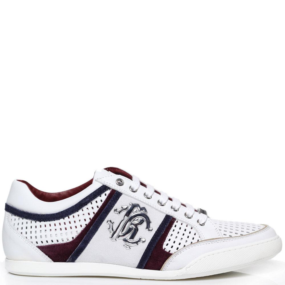 Белые кроссовки из перфорированной кожи с бордовыми вставками Roberto Cavalli с фирменным логотипом