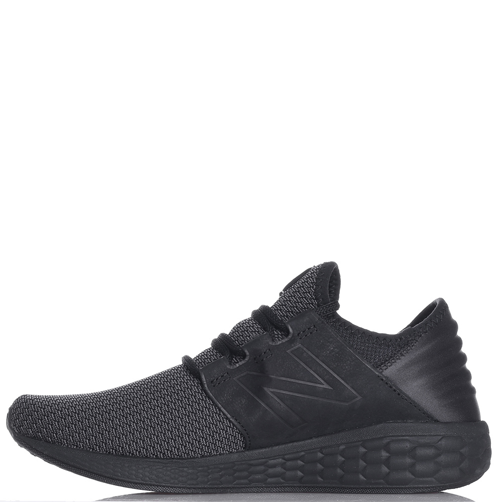Беговые кроссовки New Balance Fresh Foam Cruz V2 черного цвета