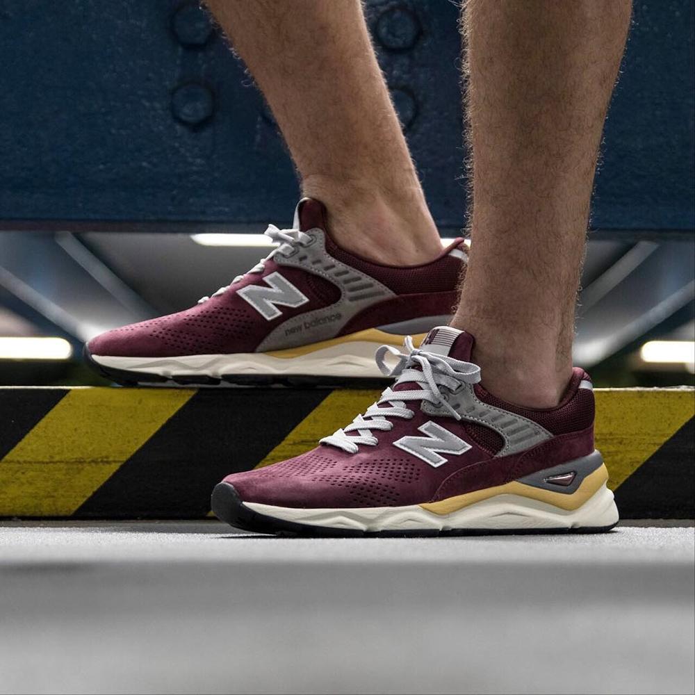 Замшевые кроссовки New Balance X-90 бордового цвета