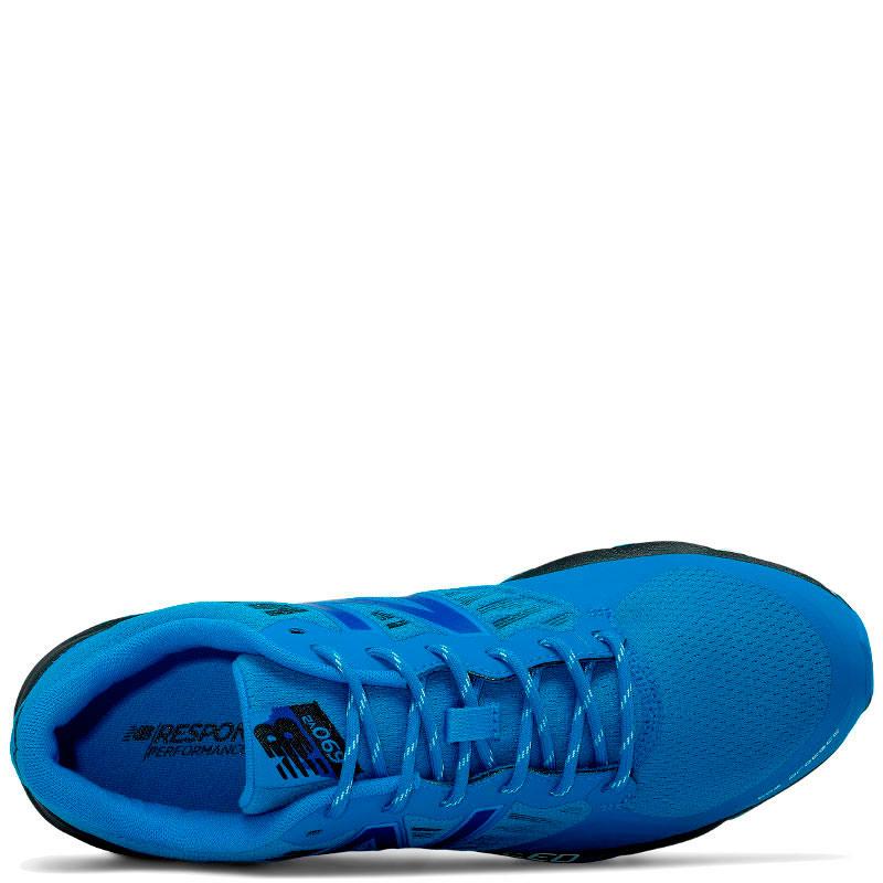 Кроссовки New Balance 690 синего цвета