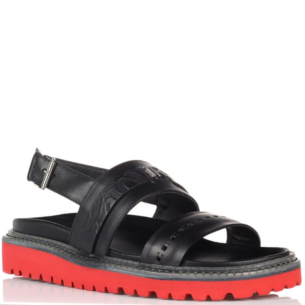 Кожаные сандалии черного цвета John Richmond на толстой подошве