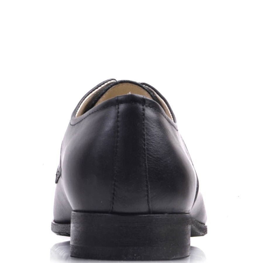 Туфли Prego черного цвета со вставкой из рельефной кожи