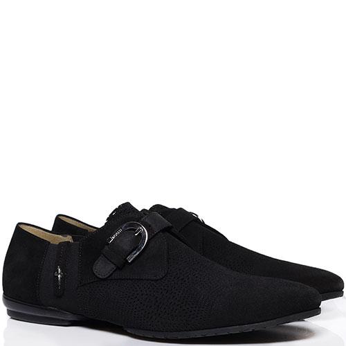 Замшевые туфли черного цвета с перфорацией Cesare Paciotti украшенные декоративной пряжкой, фото