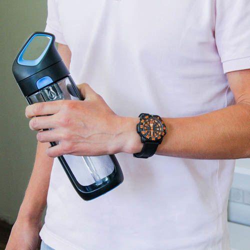 Бутылка Korwater Nava650 мл черная с синим, фото